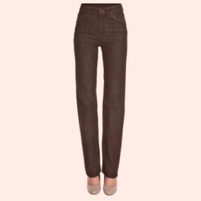 Acne jeans model Tube birth of black Størrelse: 27/32  Tube birth of black er er en bootcut jeans model. Farven er sort med en let fading. materialet er blødt bomuld med et svagt stræk. I fin condition. Mp 300