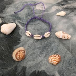 Lilla muslinge armbånd  ❌ JULETILBUD, 20% PÅ ALLE SMYKKER + GRATIS FRAGT VED KØB FOR OVER 150kr ❌