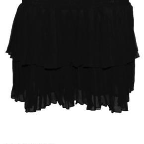 Super smuk nederdel aldrig brugt nypris 500kr