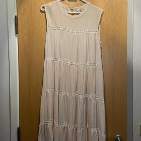 Little White Lies kjole