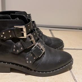 Zalando Essentials støvler