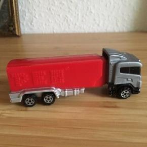 Pez lastbil -fast pris -køb 4 annoncer og den billigste er gratis - kan afhentes på Mimersgade 111 - sender gerne hvis du betaler Porto - mødes ikke andre steder - bytter ikke
