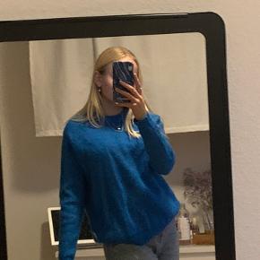 Blå sweater fra envii. Brugt få gange