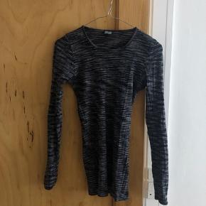 Rigtig fin trøje fra Nørgaard på Strøget. Brugt godt, men den fejler intet ✌🏻