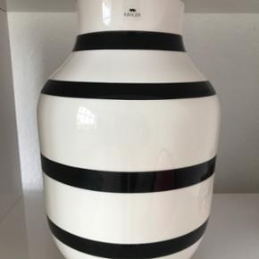 Stort sort Kähler vase 30 cm.  BYD!