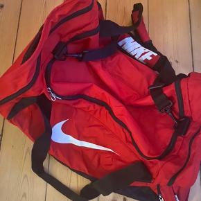 Nike stor sportstaske, 60 L