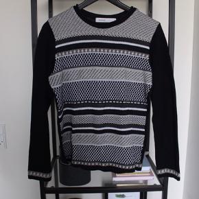 Striktrøje / sweater fra Skovhuus
