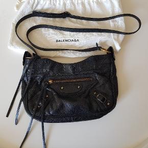 Lækker hip taske med RH. Købt på Mytheresa.com, kvittering haves. Bud fra 2000 kr + porto