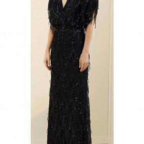 Brugt én gang!  Flot lang kjole. Det er en designerkjole fra mærket ozgur masur, købt i Tyrkiet.