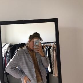 Meget unik flot farvet jakke