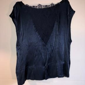 Carin Wester top