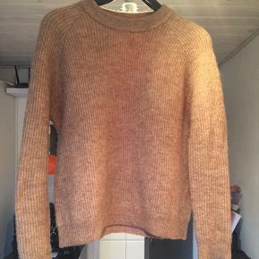 Super lækker Bobo knit fra Envii i farven Brown Honey mel. Nypris 450kr