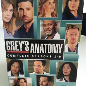 Sæson 1-9 af Greys hvide verden på DVD. Alle de bedste sæsoner! 54 discs i flot og ridsefri stand. Alle sæsoner med skandinaviske undertekster.