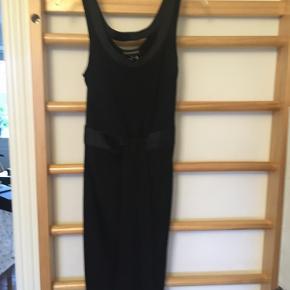Emporio Armani kjole