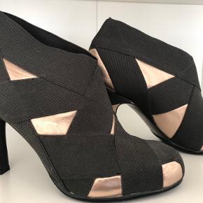 United Nude heels