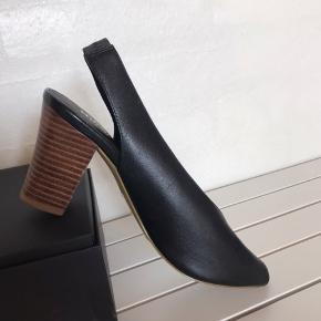 Flotte heels fra Bianco str. 36 i skind. Brugt en enkelt gang.   Sælges kun fordi, at de er for store 🙁