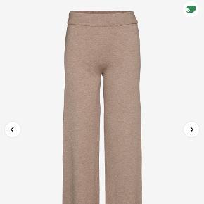 Moss Copenhagen homewear