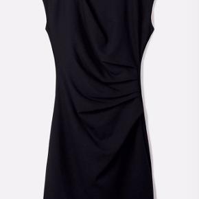 tiger of sweden mi stretch kjole sort Materiale 70% viskose 25% polyamid 5% elastane
