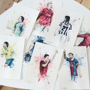 Forskellige A4 billeder af fodbold spillere - håndmalet.   • fodbold trøjer  • fodbold støvler  • fodbold