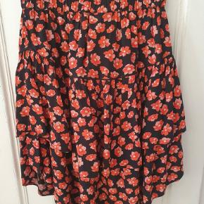GANNI nederdel i størrelse xs. Brugt få gange, så standen er som ny.
