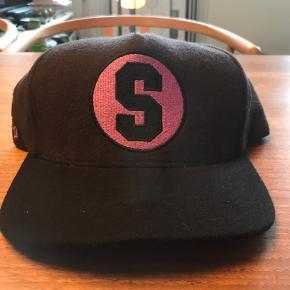 Supreme Team S snapback