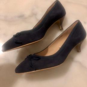 Esprit heels
