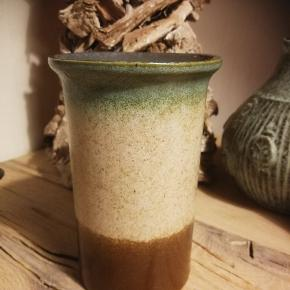 Tysk vase. Måler 15 cm
