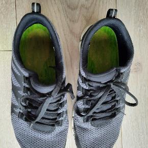 Nike free sneakers.