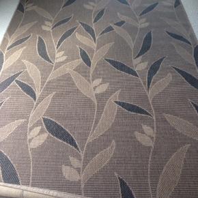 fint tæppe, sisal, fra tæppeland. måler 195 cm x 280 cm. fra ikke-ryger-hjem. nemmest at afhente (men også muligt at sende) sælger da pladsen mangler.  BYD ENDELIG