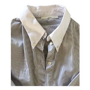 Postyr skjorte