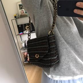 Sælger min skønne taske fra Becksöndergaard. Har dsv aldrig rigtig fået den brugt, så nu skal den sælges.