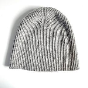 Marc Jacobs hat & hue