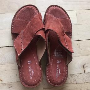 Relaxshoe sandaler Som nye Sælges for min mor, røglugt kan forekomme