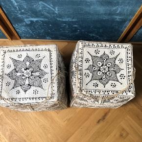Lækre opbaringskasser - begge med tegn på slid og patina, da maling er skaldet af