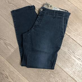 Fede jeans i chino facon. Sej vask.