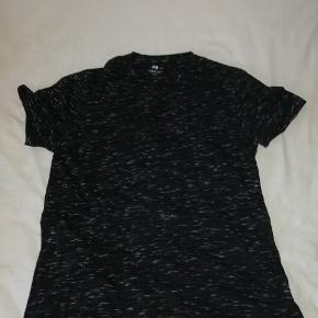 Mega fed t-shirt fra h&m Ikke min stil :)