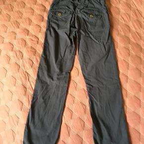 Lækre bukser i str. 140 / 10 år fra Mini A Ture - brugt, men stadig pæne (og stadig bløde, ikke vasket 'stive'.