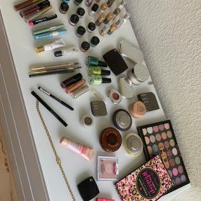 Masser makeup  Mange mærker som  Becca - revolution - w'et n Wild - ysl - Nilens jord - too faced - Helena rubenstein   Alt sælges samlet. Meget er ubrugt   Der er for flere 1000kr og alt sælges for kun 600kr