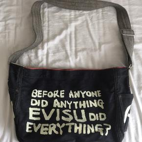 Fed vintage taske fra Evisu. Aldrig brugt. Kvittering haves ikke.