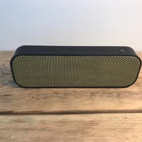 Lækker lille bluetooth højtaler fra Kreafunk, med imponerende lyd tager størrelsen i betragtning. Model Agroove  Byd endelig