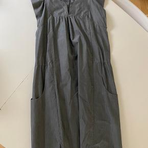 Super fin kjole- brugt meget få gange.