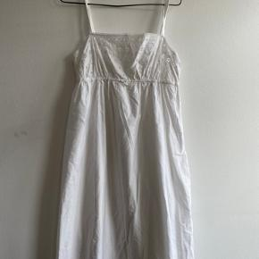 Vintage maxi kjole/natkjole med broderi anglaise