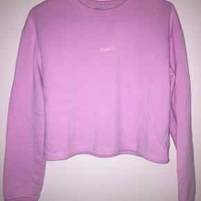 Sweatshirt fra frakment i str s/m. Den er lidt cropped.  Husk 20% ved køb inden Torsdag d. 4/7