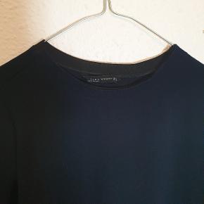 Smuk oversized T-shirt fra Zara, god men brugt.
