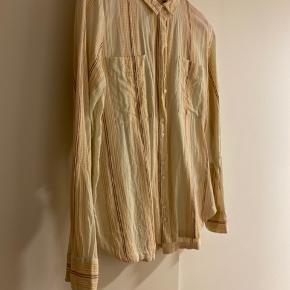 Helt ny bomulds skjorte, aldrig brugt ☺️