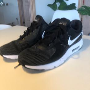 Brugt 1-2 gange  Nike Airmax zero