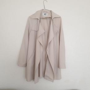 Smuk jakke fra Vero Moda, i super god stand!