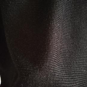 Lækker trøje fra H&M i fin stand