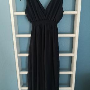 Fin lang kjole. Aldrig brugt kun vasket 🌸