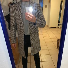 Helt ny frakke fra zara, ny pris 1000kr, byd gerne